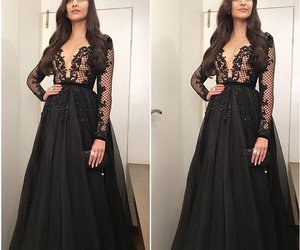 dress and sonam kapoor image