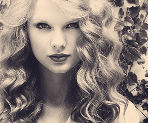 edit and Taylor Swift image