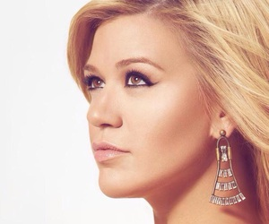 girl and kelly clarkson image