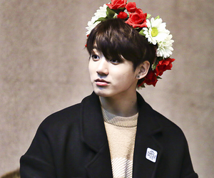 kpop, bias, and maknae image