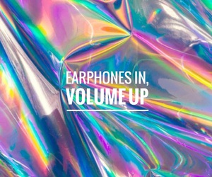 earphones and volume image