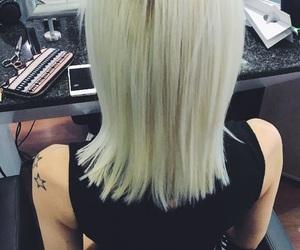 black, fashion, and hairdresser image