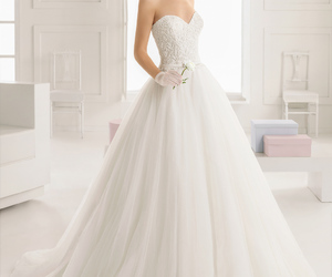 wedding dress and rosa clara image