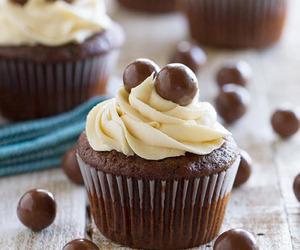 cupcake, chocolate, and food image