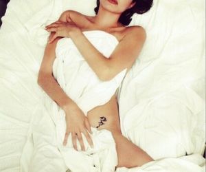 beautiful, redlips, and bed image