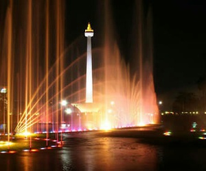 fountain, indonesia, and jakarta image