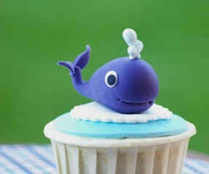 blue and whale cupcake image