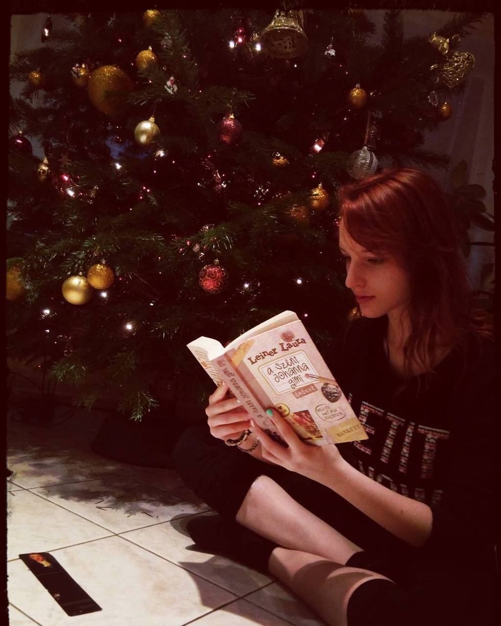 book, december, and we heart it image