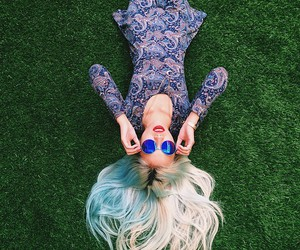 aesthetic, dyed hair, and blue hair image