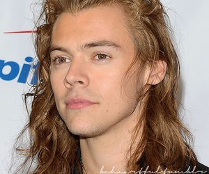 blonde, hair, and Harry Styles image
