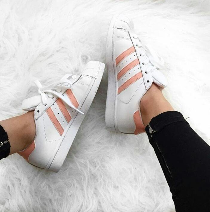 adidas rose pale et blanche superstar