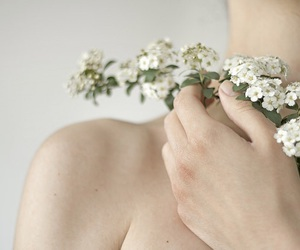 'indie', 'flowers', and 'girls' image