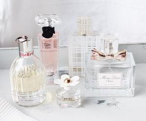 daisy, miss dior, and perfume image