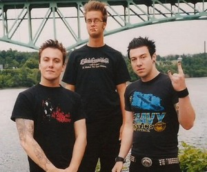 avenged sevenfold, the rev, and synyster gates image