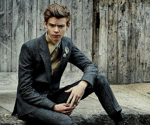 thomas brodie sangster, thomas sangster, and newt image