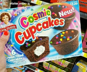 chocolate, cosmic, and cupcakes image