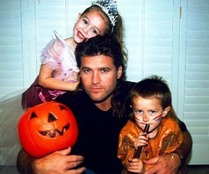 miley cyrus, billy ray cyrus, and Halloween image