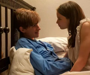 couple, eddie redmayne, and the theory of everything image