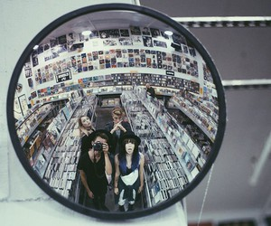 grunge, friends, and mirror image