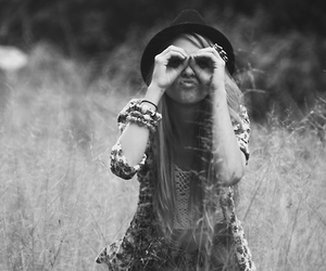 girl and hat image