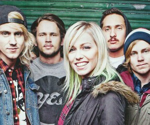 bands, ta, and tonight alive image