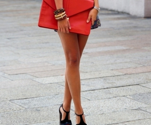 legs and street style image