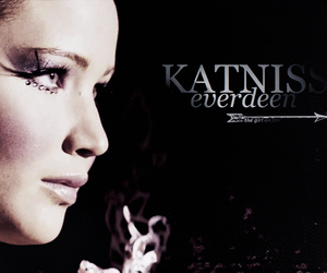 Jennifer Lawrence and katniss everdeen image