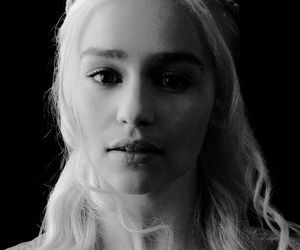 actress, emilia clarke, and daenerys targaryen image