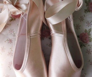 ballet, pointe shoes, and shoes image