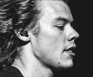 Harry Styles, perfectoo, and black+and+white image