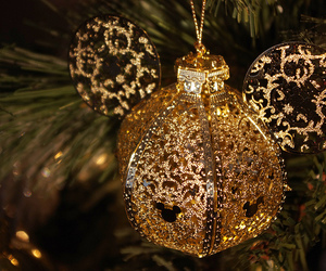 tree and ornaments image