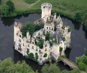 castle and france image