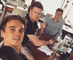 joe sugg, caspar lee, and oli white image