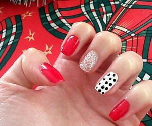 blackandwhite, christmas, and nails image