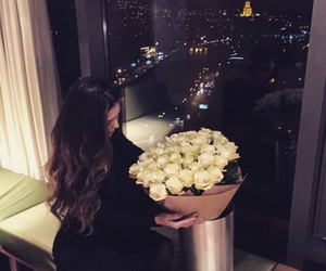 girl, love, and roses image