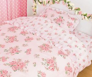 bed, bedding, and decorating image