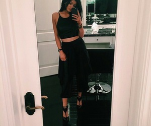 kylie jenner, outfit, and black image