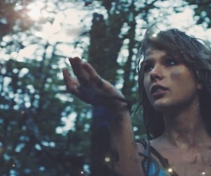 Taylor Swift, 1989, and out of the woods image