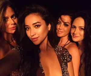 girl, pretty little liars, and shay mitchell image