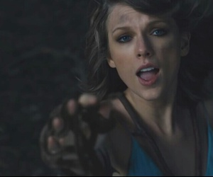 Taylor Swift, out of the woods, and taylorswift image