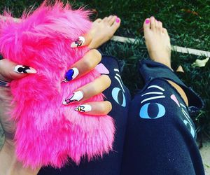 nail art, fluffy phone case, and pink image