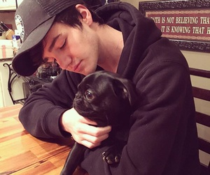 aaron carpenter, magcon, and dog image
