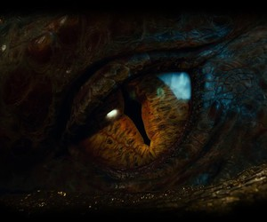 dragon, the hobbit, and eye image