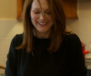 alice, julianne moore, and movie image