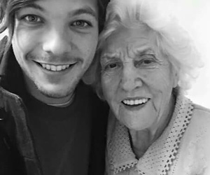 family, one direction, and louis tomlinson image