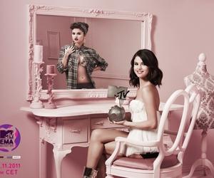 selena gomez, mtv, and pink image