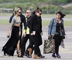 lou teasdale, Harry Styles, and one direction image