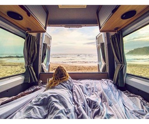 travelling and van image