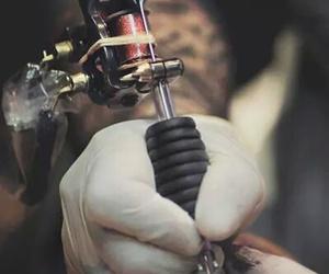 art and tattoo machine image