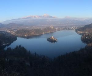 beauty, isle, and lake image
